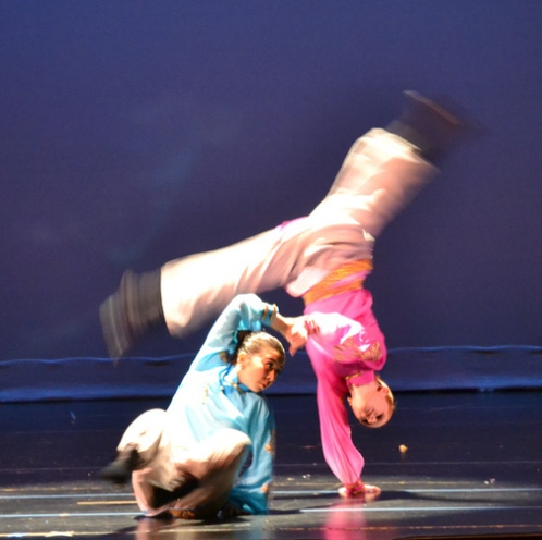 "Alissa Elegant and Camille Gwise performing the Mongolian Dance 《出走》""Leaving Home"""